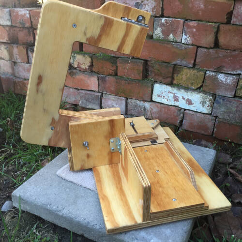 Single arm wire soap cutter raised